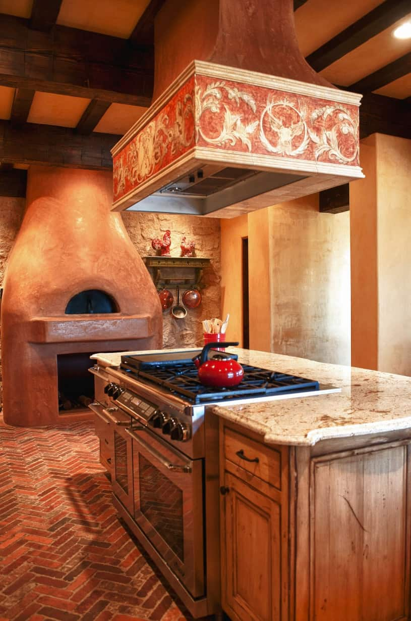 ranch at the canyons terrebonne clubhouse kitchen pizza oven